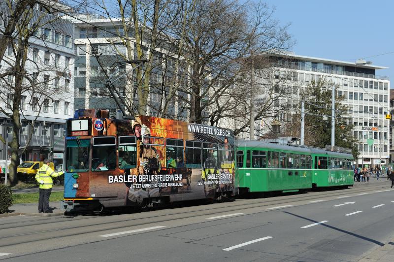 Be 4/4 483 «Rettung Basel-Stadt» (linke Wagenseite)