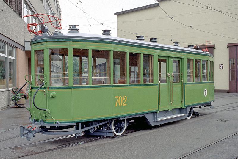 C3 702